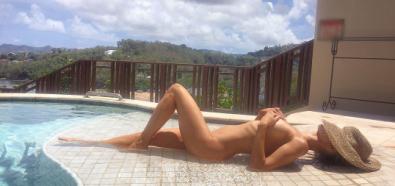 Joanna Krupa nago w basenie