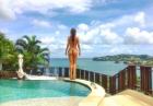 Joanna Krupa nago nad basenem