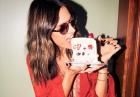 Alessandra Ambrosio spija soki z owoców