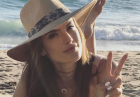 Alessandra Ambrosio pasjonatką słomianych kapeluszy