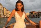 Bella Hadid zmysłowo w białej sukni