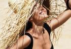 Candice Swanepoel w strojach kąpielowych marki Tropic of C