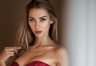 Dajana Gudic w dwukolorowym bikini