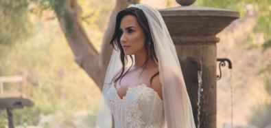 Demi Lovata w sukni ślubnej