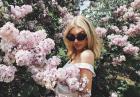 Elsa Hosk wśród pachnących kwiatów