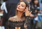 Emily Ratajkowski w czerni na gali Cannes