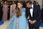 Jennifer Lopez w długiej błękitnej sukni