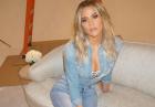 Khloe Kardashian w gorących lokach
