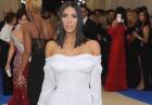 Kim Kardashian nago cała w brokacie