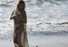 Lindsey Pelas półnago na plaży