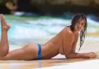 Myla Dalbesio w bikini i nie tylko