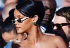 Rihanna z klasą pokazuje swoje zgrabne nogi