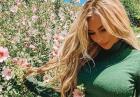 Rosanna Arkle czaruje pośladkami w rajskiej zieleni