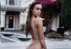 Sommer Ray topless spod prysznica