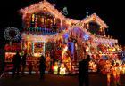 Szalone świąteczne dekoracje domów