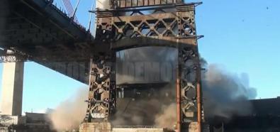 Wyburzanie mostu