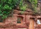 Dom w jaskini