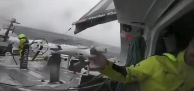 Lot dronem w sztormie