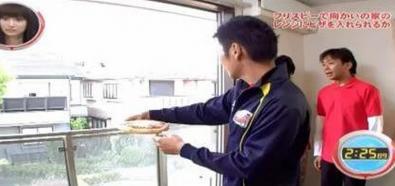 Rzut pizzą do mikrofalówki