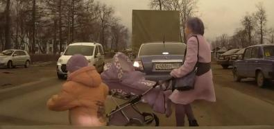 Matki z wózkami