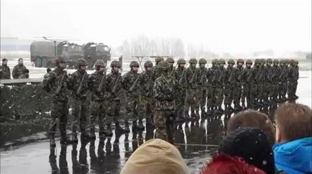 Musztra szwajcarskich żołnierzy