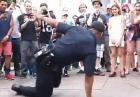 Tańczący policjant