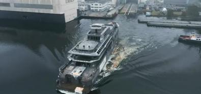 Wodowanie super jachtu