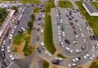 Parking pod szkołą w USA