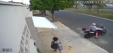 Garaż połyka kobietę