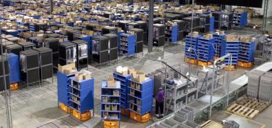 Amazon wyposaży swoje magazyny w roboty