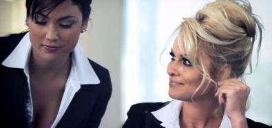 Pamela Anderson - seksowna modelka w reklamie Dreamscape Networks, która została zakazana