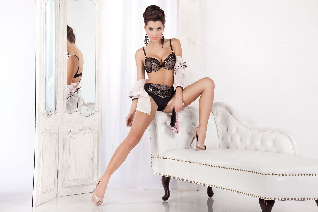 Natalia Siwiec - seksowna modelka w bieliźnie Alles