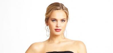 Elisandra Tomacheski - modelka w koszulkach nocnych marki Ideeli