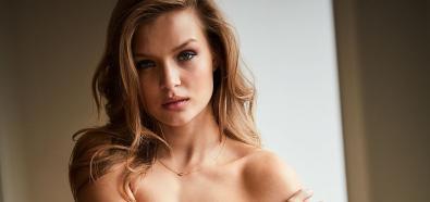 Josephine Skriver topless, na sportowo i w bikini