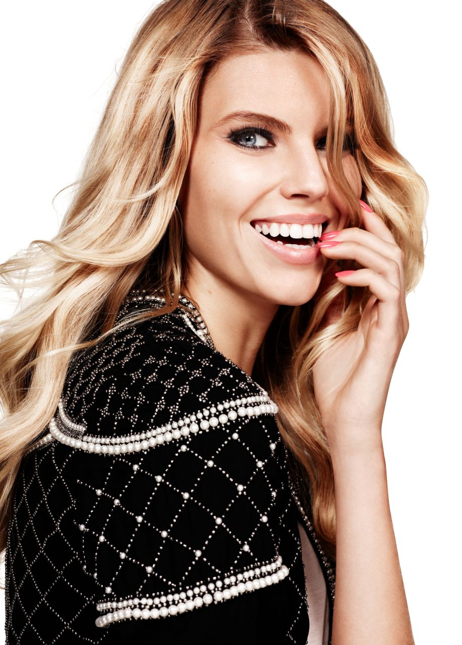 Maryna Linchuk - seksowna modelka w ubraniach Lindex Party
