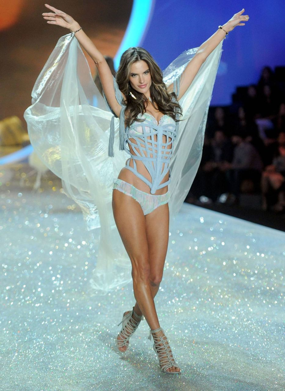 Adriana Lima Victorias Secret Fashion Show 2013