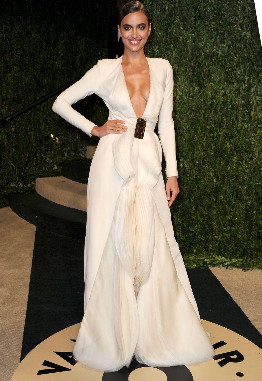 Irina Shayk - rosyjska seksbomba podczas przyjęcia Vanity Fair Oscar Party