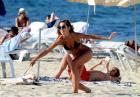Izabel Goulart na sportowo na plaży