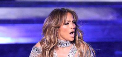 Jennifer Lopez eksponowała swoje krągłości na koncercie