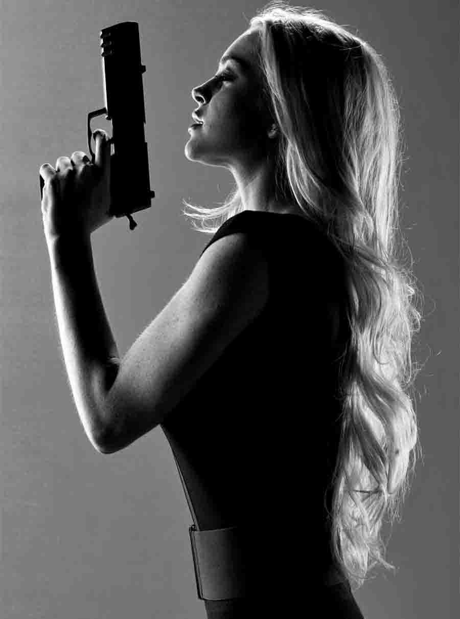 Фотосессии девушек с пистолетом 20 фотография