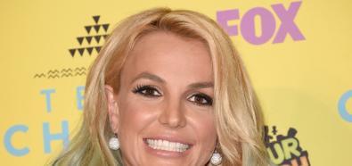 Charlotte McKinney, Britney Spears, Emma Roberts i inne gwiazdy na Teen Choice Awards w Los Angeles