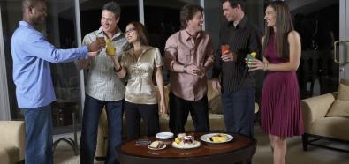 Savoir-vivre, czyli co powinieneś wiedzieć, urządzając domowe przyjęcie