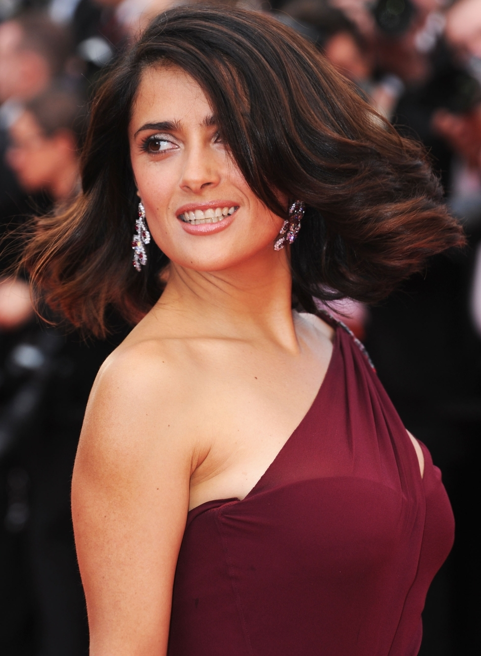 Elegant extravagant outrageous wild hair Style Versions Makeup for Virgo Women Salma Hayek-12