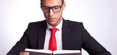 Chcesz zrobić karierę? Przeczytaj te książki i sprawdź, co ci grozi
