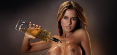 G-Spirits - whisky, rum i wódka z piersi modelek Alexy Vargi, Aminy Malakony oraz Evelin Aubert