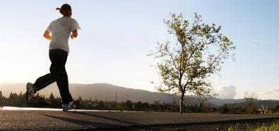 Jak radzić sobie w upalne dni podczas treningu na powietrzu?