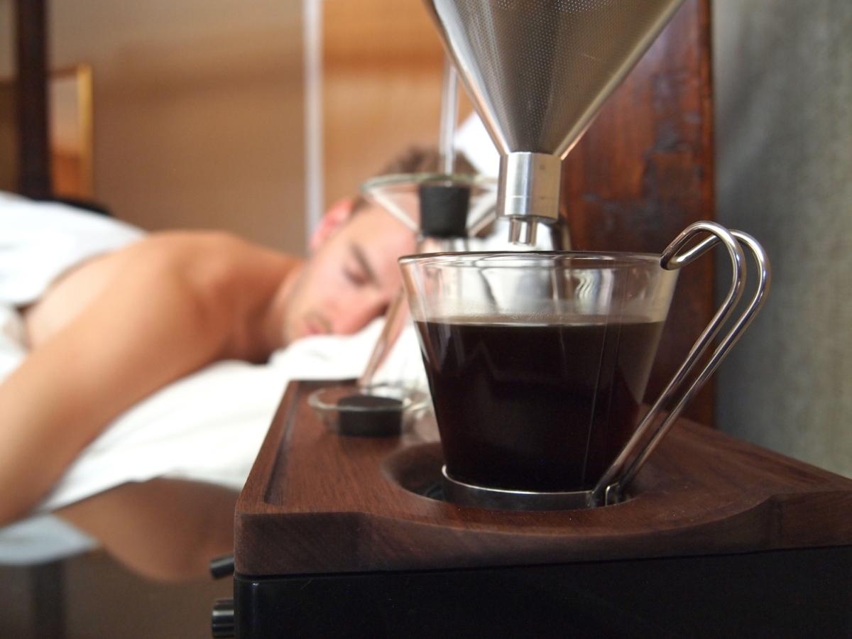 Najlepszy sposób na efektywną drzemkę - kawa?