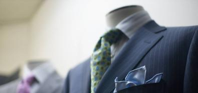 Jak dbać o garnitur - poradnik