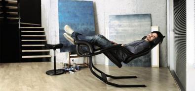 Nietuzinkowy fotel wypoczynkowy - zaufanie buduje się z czasem..