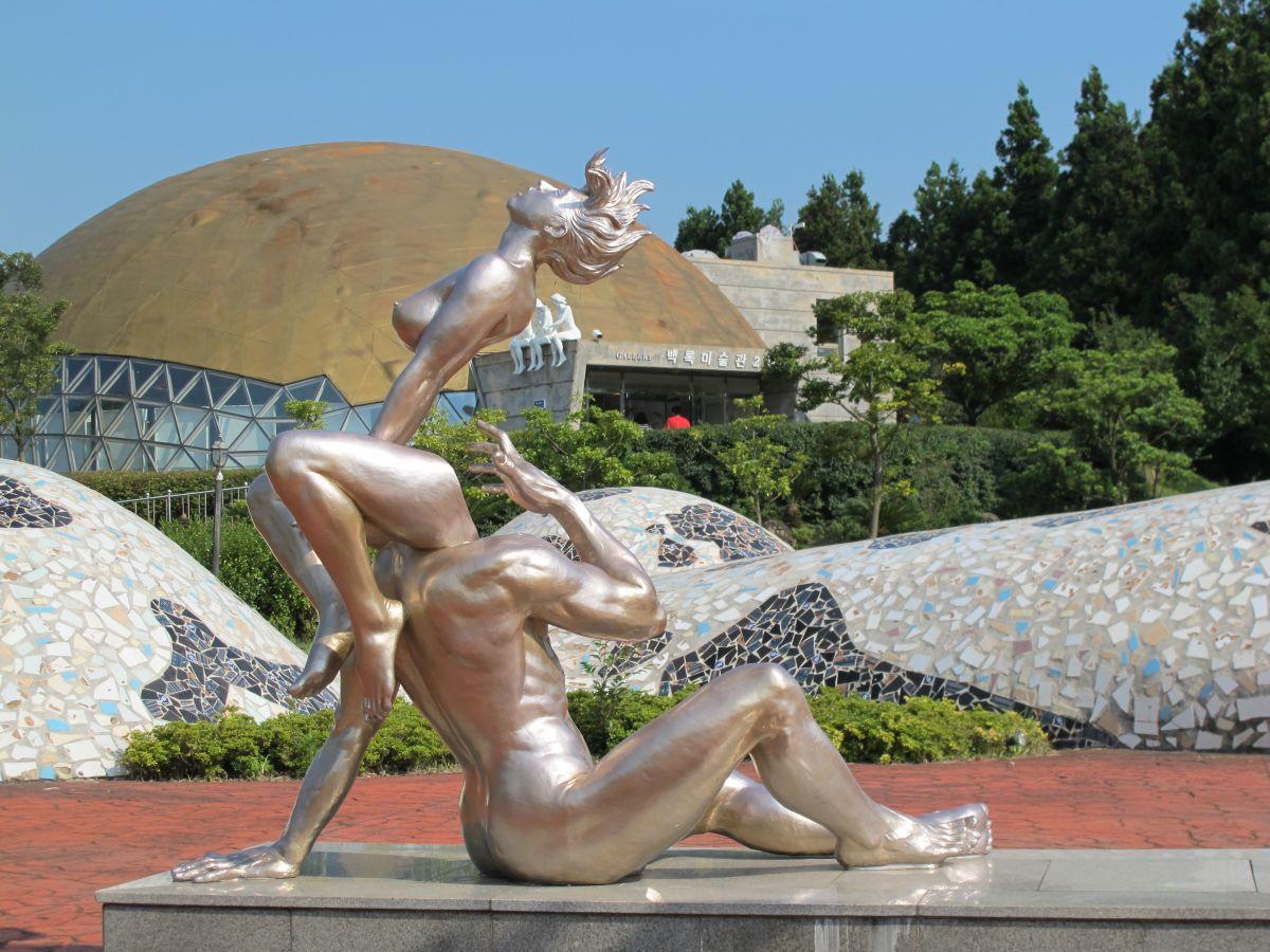 Смотреть секс со статуей 9 фотография